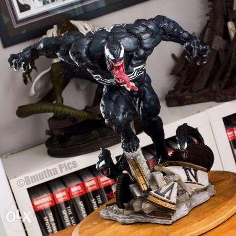 XM Studios Venom statue