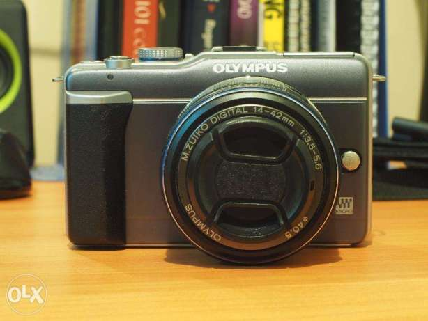 Olympus E-PL1 mirrorless camera
