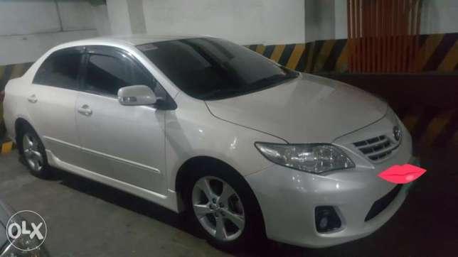 Toyota altis V (2012) white pearl