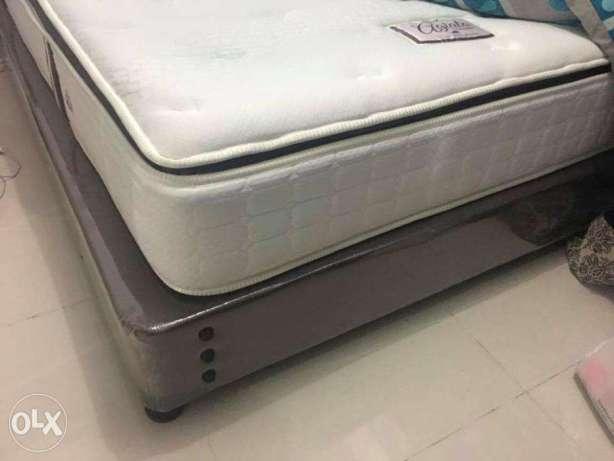Salem Mattress with Bed box