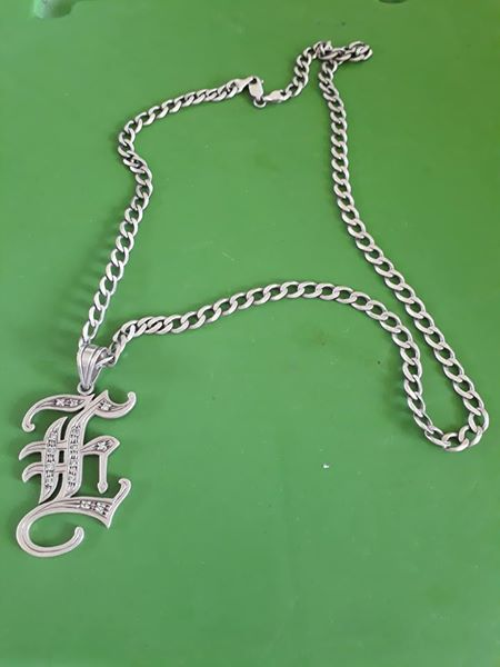 SILVER NECKLACE w/Pendant