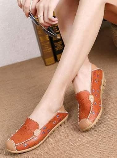Authentic SANUK shoes