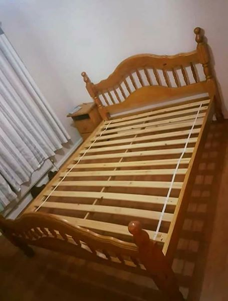 CUSTOMIZED WOODEN BED FRAME